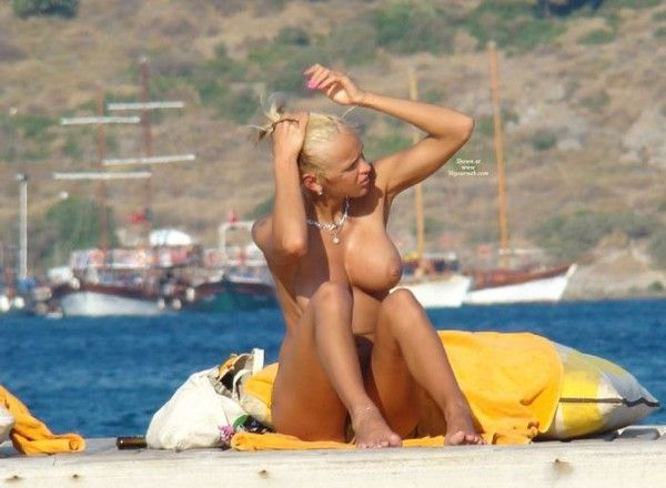 долго молча голые русские девушки в турции доставляло